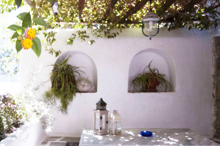 Villa Pinelopi is located in a green garden in the heart of Mykonos Town.