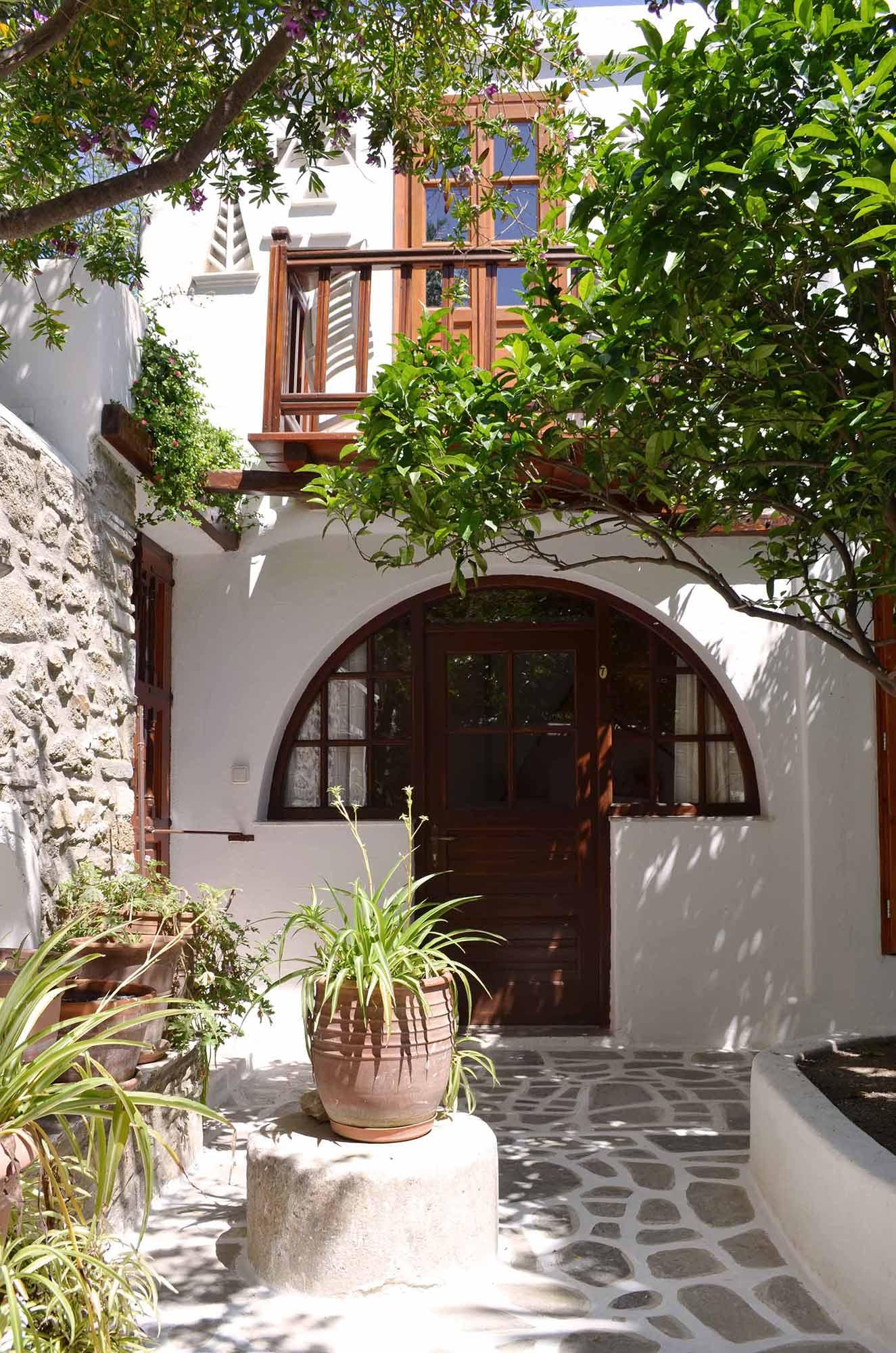 Villa Pinelopi - Studio Facade